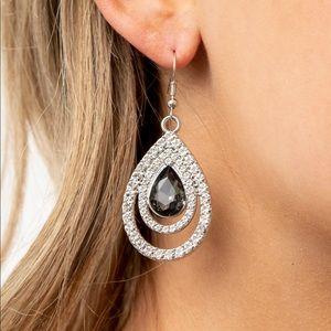 ❤️So the Story Glows Earrings